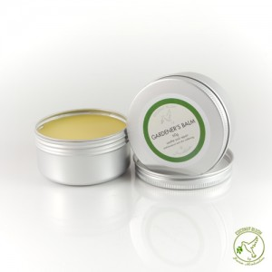 A rich and intensive hand balm with Tea Tree & Vitamin E. Made with Shea Butter to rehydrate and moisturise skin.